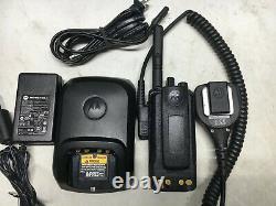 Motorola XPR3500 VHF 136-174mhz MotoTRBO digital radio AAH02JDH9JA2AN with Mic