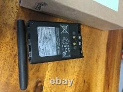 Yaesu vx-8dr Radio VX 8 DR 50/144/430 Mhz Triple Band 3 batts, charger